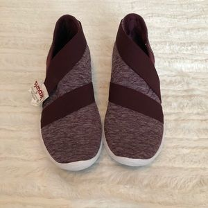 Under Armour Maroon Slip On Tennis Shoes- Size 8